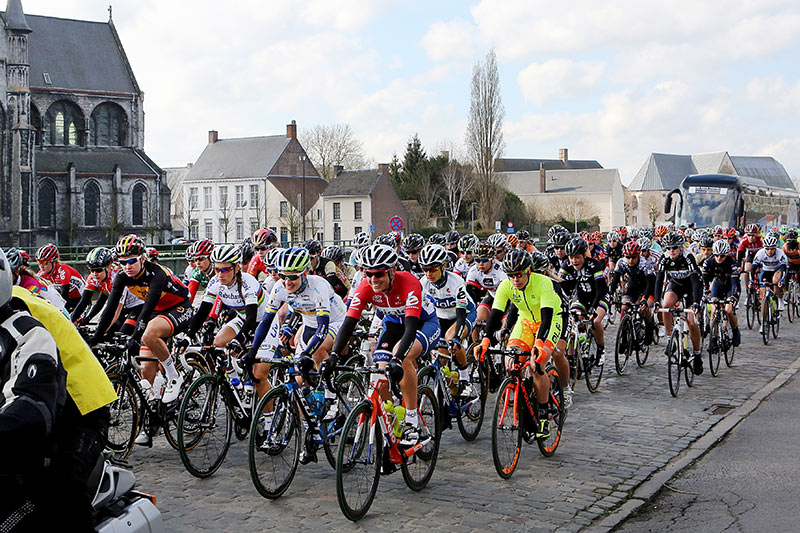 Photo RVV 2015, start of the woman's race