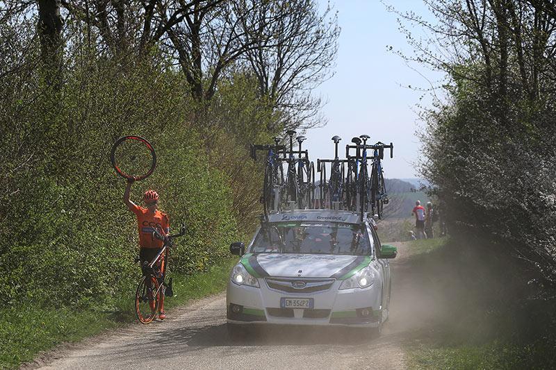 Photo Amstel Gold Race 2015, flat tire for  Rutkiewicz